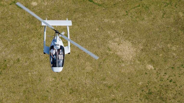 Rotorvox C2A über Feld