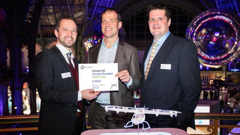 "e-volo gewinnt den ""Climate Champion COP21"" Award in Paris"