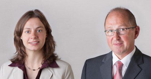 Dr. Martina Schmitz (l.) und Dr. Alfred Hansel (r.) von oncgnostics.
